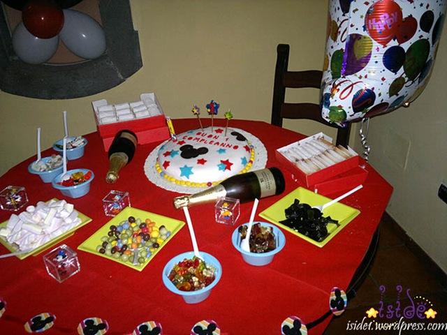 Tavolo Compleanno Topolino : Topolino ·u u ·¨ · traces of me · ¨·u u ·